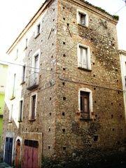Panoramio - Photo of Cafaldo, antiche case di pietruccia e calce