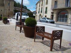 Mobiliers urbains : Acier corten inox - Bancs Stella Outdoor Tables, Outdoor Decor, Banquette, Exterior Design, Outdoor Furniture, Architecture, Collection, Ideas, Home Decor
