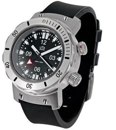 UTS 4000M GMT. 45mm case. 17.5mm thickness.