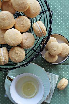 Chic & Gorgeous Treats: Lemon Cheesecake French Macaron