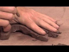 Ceramic Arts Daily – Sketching in Space: How to Get a Quick Start on Sculpting the Hand