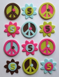 Items similar to Fondant Cupcake Toppers - Peace Signs & Flowers on Etsy Fondant Cupcake Toppers, Cupcake Cakes, Peace Cake, Hippie Cake, Hippie Party, Adult Party Themes, Love Cupcakes, Fondant Figures, Cata