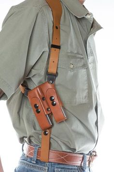 The leather shoulder holster simply called the SSR that will change your comfort and ease of carry for the shoulder holster fan's. The Best shoulder holster. Leather Gifts, Leather Books, Handmade Leather, Leather Jewelry, 1911 Holster, Gun Holster, Leather Notebook, Leather Journal, Handmade Notebook