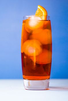 This americano cocktail recipe is an Italian classic, with a recipe that dates back to the Summer Cocktails, Cocktail Drinks, Cocktail Recipes, Americano Cocktail Recipe, Yes Way Rose, Frozen Rose, Italian Chef, Classic Italian, Non Alcoholic
