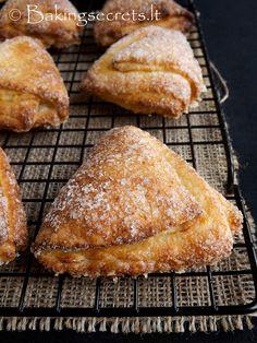 Baking Secrets: Varškės sausainiai 'Žąsies kojelės' + VIDEO / Curd Cheese Sugar Cookies + VIDEO