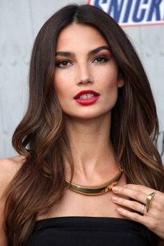Espresso highlights are the perfect complement to Aldridge's bronzed skin.