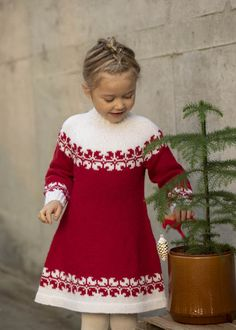 Crochet Baby Poncho, Knit Baby Dress, Crochet Poncho Patterns, Sweater Knitting Patterns, Knit Crochet, Diy Crafts Knitting, Diy Crafts Crochet, Knitting For Kids, Crochet For Kids