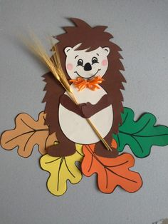 Excellent Pictures fall Paper Crafts Concepts Paper crafts will be as varied while you'll like them to help be. From sophisticated to help easy, Fall Paper Crafts, Diy And Crafts, Crafts For Kids, Arts And Crafts, Hedgehog Craft, Fall Preschool, School Decorations, Autumn Art, Autumn Activities