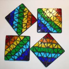 Raven's Stained Glass ~ Another Mosaic Post ~ These Rainbow mosaic coasters look FAB Mosaic Tray, Paper Mosaic, Mosaic Crafts, Mosaic Projects, Mosaic Glass, Mosaic Tiles, Craft Projects, Mosaic Designs, Mosaic Patterns