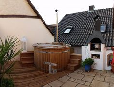 Winterharter Eukalyptus 'Azura®' - All About Hot Tub Backyard, Landscape Plans, Garden Landscaping, Landscaping Ideas, Jacuzzi, Garden Planning, Outdoor Furniture, Outdoor Decor, Bathing