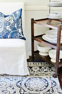 New vintage furniture before and after dining rooms 48 ideas Antique White Furniture, Annie Sloan Painted Furniture, Vintage Bedroom Furniture, Leather Living Room Furniture, Bedroom Furniture Makeover, Repurposed Furniture, Diy Dining Room Table, Dining Rooms, Small Patio Furniture