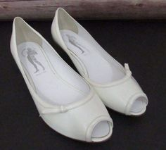 Sigerson Morrison Belle Womens White Leather Peep Toe Flats Shoes Size 10 B | Clothing, Shoes & Accessories, Women's Shoes, Flats & Oxfords | eBay!