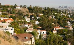 La La Land mansions, condos see price growth; Silicon Beach sees tight inventory Los Angeles luxury homes saw double-digit price growth in the first three months of 2017 compared to a year earlier,…