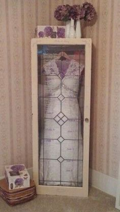 Diy Shadow Box Ideas & How To Create Hochzeitskleid Shadow Box Wedding Dress Shadow Box, Wedding Dress Display, Framed Wedding Dresses, Post Wedding, Dream Wedding, Wedding Day, Wedding Venues, Luxury Wedding, Wedding Stuff