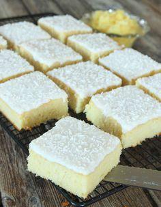 Ananaskaka med glasyr & kokos – Lindas Bakskola Swedish Cookies, Baking Recipes, Cake Recipes, Everyday Food, Let Them Eat Cake, Baked Goods, Cheesecake, Deserts, Brunch
