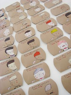 hand drawn cardboard pillow boxes from Mafa+ via imaginative bloom.