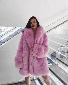 Fur Coats, Fox Fur, Feathers, Women's Fashion, Colors, Pink, Jackets, Beauty, Dressing Up