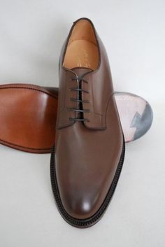 http://chicerman.com  blackshoeblog:  The Alfred Sargent HOLBORN  my latest acquisition and a very fine pair of shoes too! This pair is from the Alfred Sargent Premier Collection; a plain fronted derby in expresso calf with a double leather Goodyear welted sole (109 last)  #menshoes