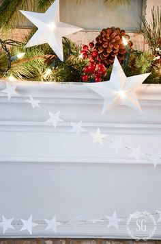 A custom paper garland or banner would be the perfect touch to your decor or party. Here are some creative ideas for a DIY paper garland. Christmas Mantels, Christmas Tree Ornaments, Christmas Crafts, Christmas Decorations, Christmas Ideas, Paper Decorations, Christmas Inspiration, Tissue Paper Garlands, Diy Girlande