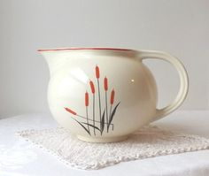 Vintage Cat Tail Pottery Pitcher Sears por MomsantiquesNthings