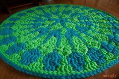 Free Crochet Pattern: Shocking Mandala Rug