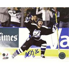 Martin St. Louis Celebrating Playoff GWG vs Islanders 8x10 Photo