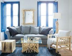 Idee e consigli per arredare un appartamento in stile marina, un modo per sentirsi sempre in vacanza. Non occorre, infatti, vivere a due passi dal mare per decorare la propria casa secondo questo stile d'arredamento, bastano solo pochi accorgimenti per celebrare fra le mura di casa la propria passione per il mare. La prima cosa da scegliere sono i colori, prima delle pareti poi dei complementi d'arredo. Perfette tutte le sfumature del mare, dal blu al verde, passando per il bianco e il ...