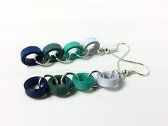 Aretes de papel encañonado cadena azul  por SweetheartsandCrafts