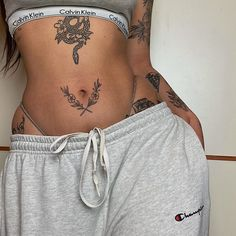 Tattoo Ideas Female Discover Sexy Tattoo Ideas In this table we present the work of the best tattoo artists around the world. We have not made this tattoo. For bring you inspiration and tatto ideas on our website you will find a digital sexy tattoo ebook. Dope Tattoos, Dream Tattoos, Mini Tattoos, Pretty Tattoos, Future Tattoos, Beautiful Tattoos, Body Art Tattoos, Small Tattoos, Tatoos