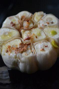 Ofen gerösteter Knoblauch/ Oven roasted garlic (Deutsch