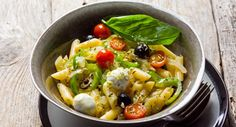 Receita de Salada mediterrânica de massa, Para 6 pessoas. Tempo: Curto, Dificuldade: Fácil, Custo: Barato