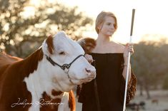 Senior photos with your livestock - we think YES! Check out tips here: http://surechamp.com/2014/09/23/senior-photos-4-legged-friends/