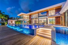 Magnificent Modern Miami Mansion With Ocean Panorama Luxury Homes Dream Houses, Luxury House Plans, Dream Home Design, Modern House Design, Modern Miami, Futuristisches Design, Dream Mansion, Modern Mansion, Dream Pools