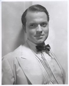 Orson Welles Hollywood Photo, Old Hollywood Glamour, Hollywood Actor, Classic Hollywood, Dramas, Cinema, Orson Welles, Young Actors, Great Films