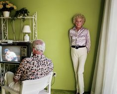 First published in 1992 to wide critical acclaim, Pictures From Home is Larry Sultan's pendant to his parents. Sultan returned home to Southern California periodically in the 1980s and the decade-long sequence moves between registers, combining contemporary photographs