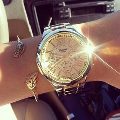Im in love with the watch and the bracelet Luxury Tumblr, Stylish Watches, Fashion Week, Michael Kors Watch, Gold Watch, Bracelet Watch, Rose Gold, Chic, Bracelets