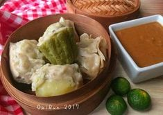Photo Chicken Balls, Indonesian Food, Spicy, Cooking Recipes, Ethnic Recipes, Drink, Indonesian Cuisine, Cooker Recipes