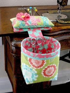 Sew In Style Thread Catcher + Pin Cushion - PDF Pattern | http://PatternPile.com