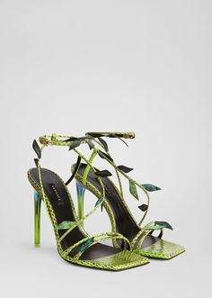 Versace Antheia Leaf Sandals for Women Green Sandals, Green Shoes, Buy Shoes, Me Too Shoes, Expensive Shoes, Shoe Art, Skateboard Art, Rip Curl, Longboards