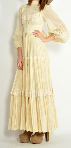 vintage gunne sax.  I totally had a dress so similar to that in 8th grade, and almost the same shoes, except mine were purple suede.