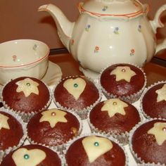Zabpehelylisztes fogyókúrás muffin   Nosalty Muffin, Gingerbread Cookies, Pudding, Breakfast, Food, Gingerbread Cupcakes, Morning Coffee, Custard Pudding, Essen