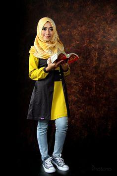 "Foto-foto Nina Lestari.  Besuk - Curahmalang, Sumobito, #Jombang, Jawa Timur.  Peserta Lomba Foto Mutif 2015 Kategori ""Mutif Fotogenic Contest"" #MutifFotogenicContest #BusanaMuslim #Fashion #FashionMuslim #ModelMutif #FotoModel #MuslimInspiratif #LombaFoto #MuslimahIndonesia"