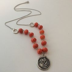 """""""Flower seal pendant necklace 