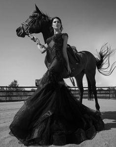 www.pegasebuzz.com   Fashion photography : Aaron McPolin.