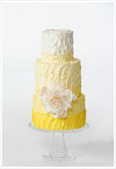 rustic white and yellow cake @weddingchicks