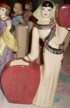 Beautiful Vintage Weil Ware 1940's Cleopatra Look Alike Lady Planter, Figurine California Pottery