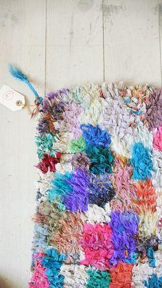 Vintage Moroccan Rag Rug  BOUCHEROUITE Paul Kleer por lacasadecoto, €175.00