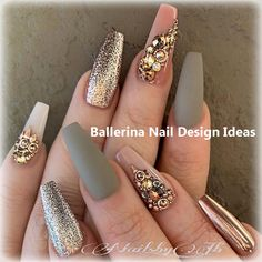 The advantage of the gel is that it allows you to enjoy your French manicure for a long time. There are four different ways to make a French manicure on gel nails. Glam Nails, Beauty Nails, Cute Nails, Pretty Nails, My Nails, Best Acrylic Nails, Acrylic Nail Designs, Nail Art Designs, Nails Design