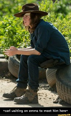 """Carl Grimes in The Walking Dead Season 7 Episode 9 """"Rock in the Road"""" Carl The Walking Dead, The Walk Dead, The Walking Death, Walking Dead Memes, Carl Grimes, Chandler Riggs, Carl And Enid, 9gag Funny, Funny Memes"""