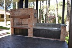 cerramiento de parrilla con ladrillos - De Todo - YoReparo Outdoor Kitchen Patio, Outdoor Kitchen Design, Outdoor Living, Outdoor Decor, Parrilla Exterior, Outdoor Barbeque, Outdoor Fireplace Designs, Four A Pizza, Backyard Patio Designs
